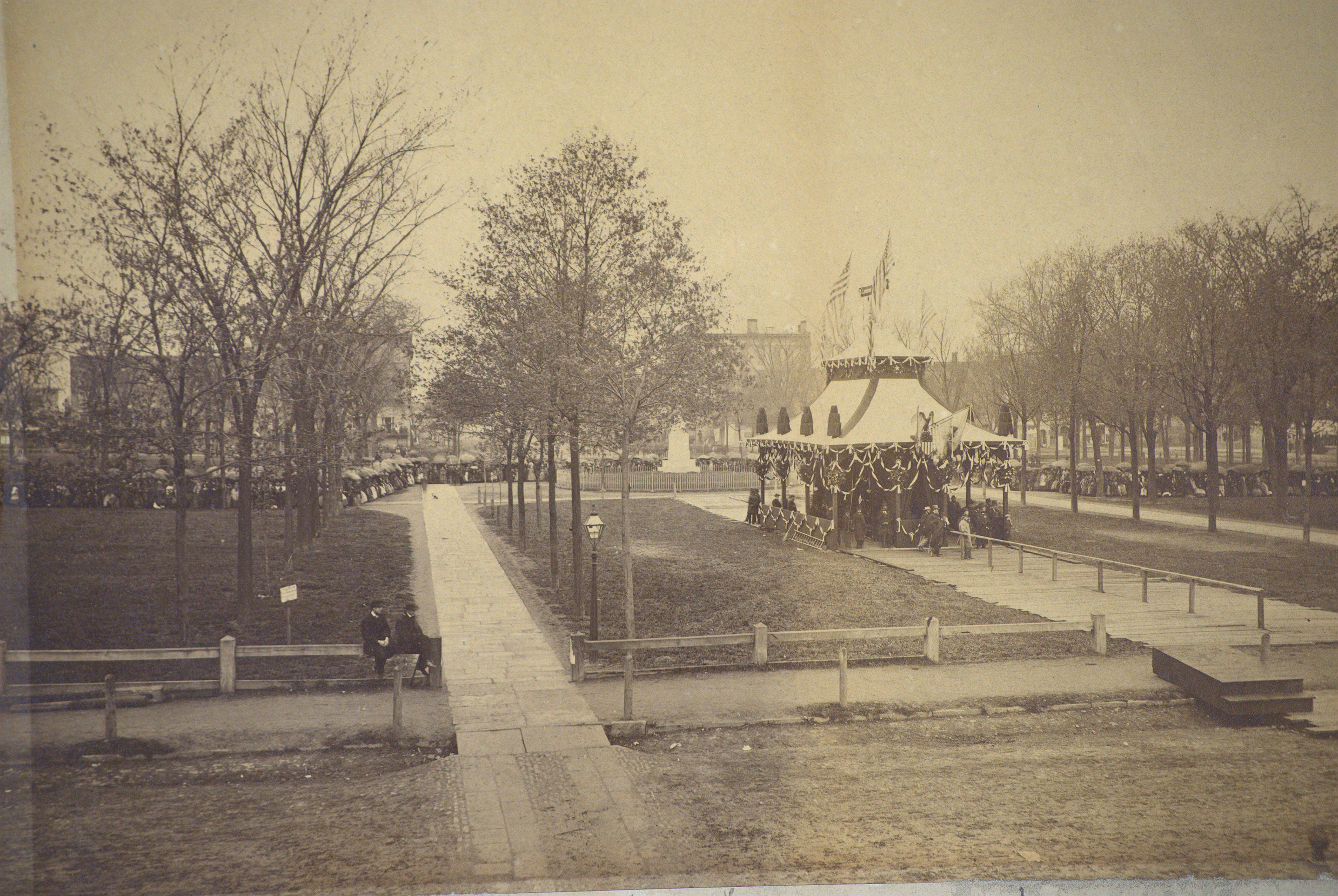 Mourners on Public Square April 28, 1865 wait to view body of Abraham Lincoln