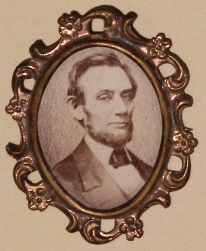 Oval Pin with Lincoln Photograph