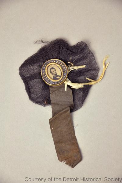Abraham Lincoln Mourning Badge