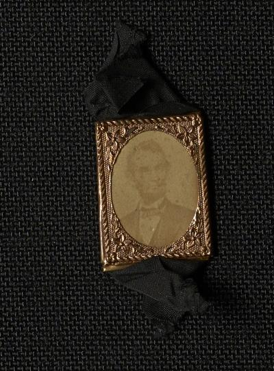 Small Mourning Ribbon with Photograph of Lincoln